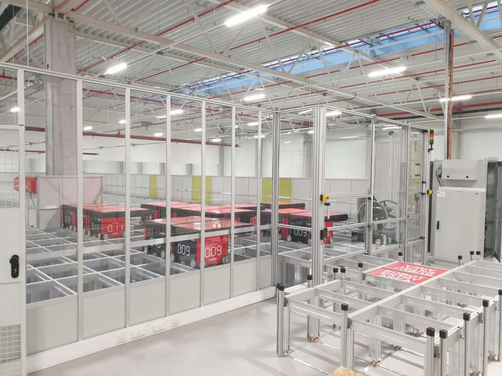 Roboty AutoStore można obserwować na platformie usługowej